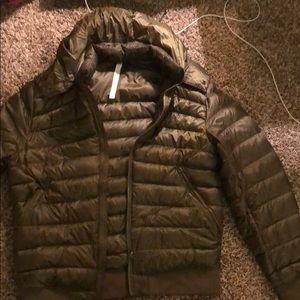Men's lululemon puffy jacket army green